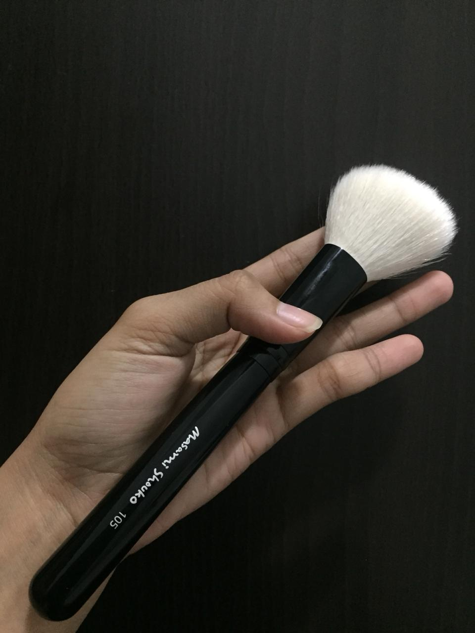 Masami Shouko 105 Large Angled Contour Brush